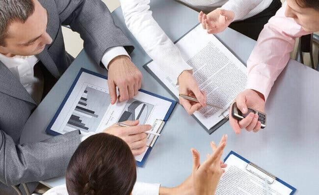 Khi lập thuyết minh BCTC, kế toán viên cần xây dựng dựa trên những cơ sở phù hợp
